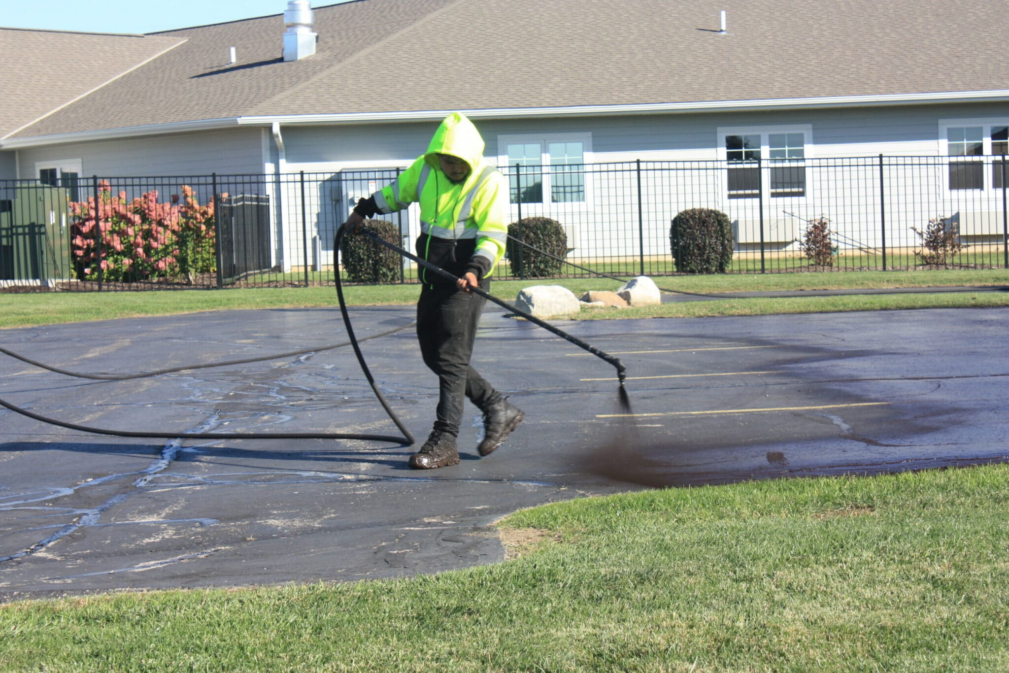 driveway sealing in racine, parking lot sealing in racine, cicchini asphalt